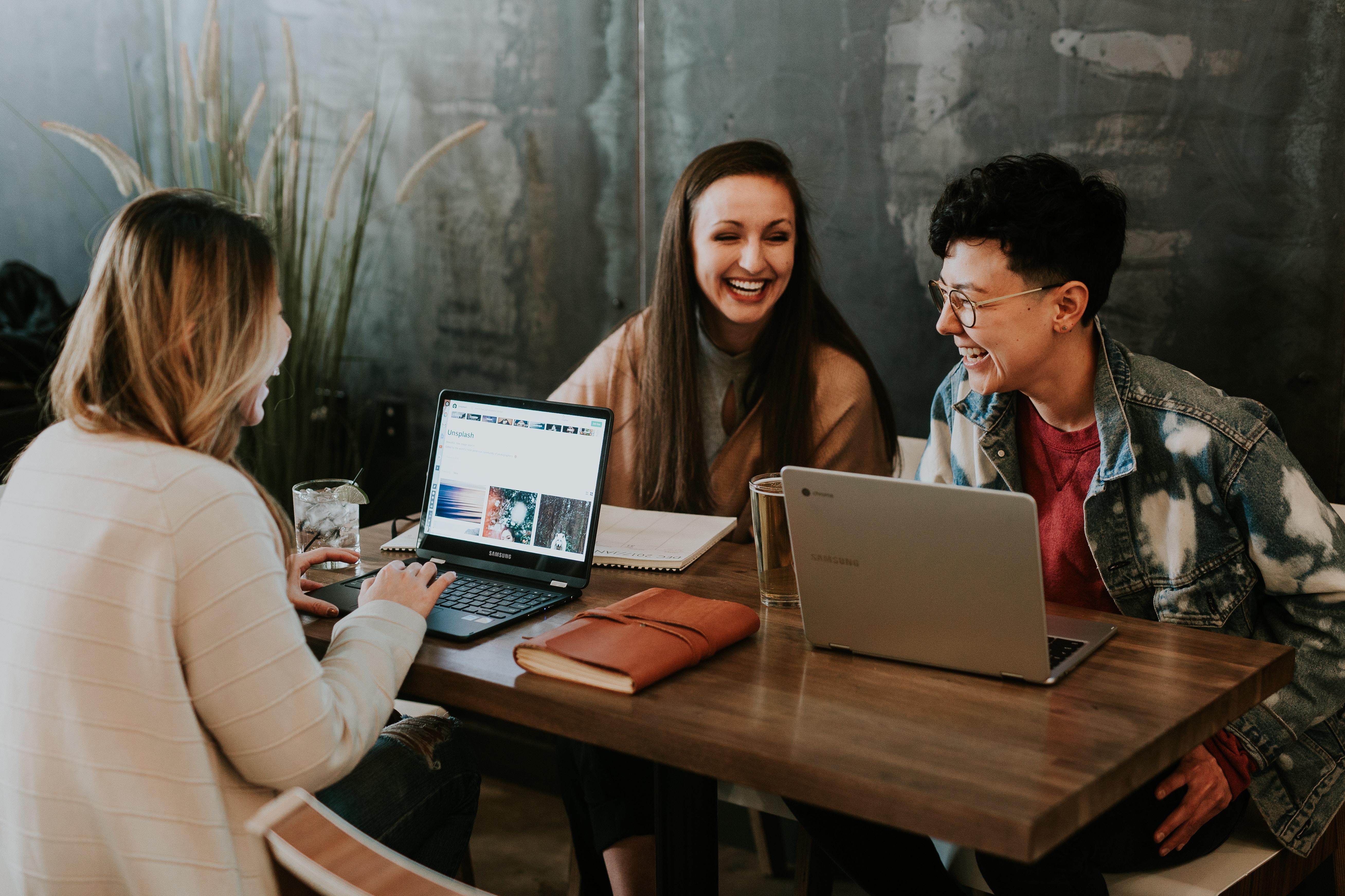 online community support worker training