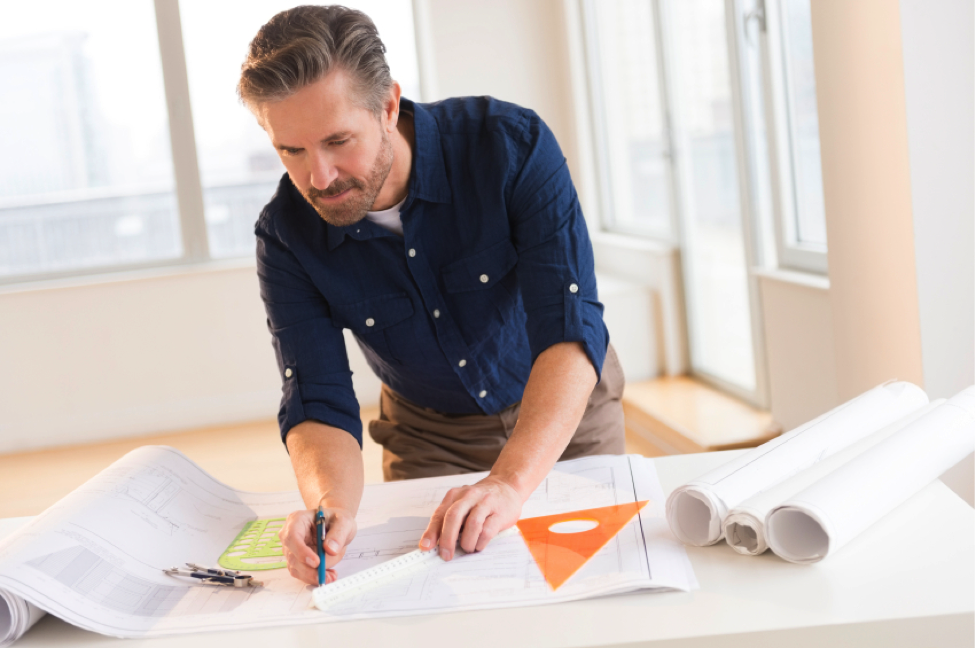 Pros & Cons of Becoming an Architectural Technician: Should You Go For It?
