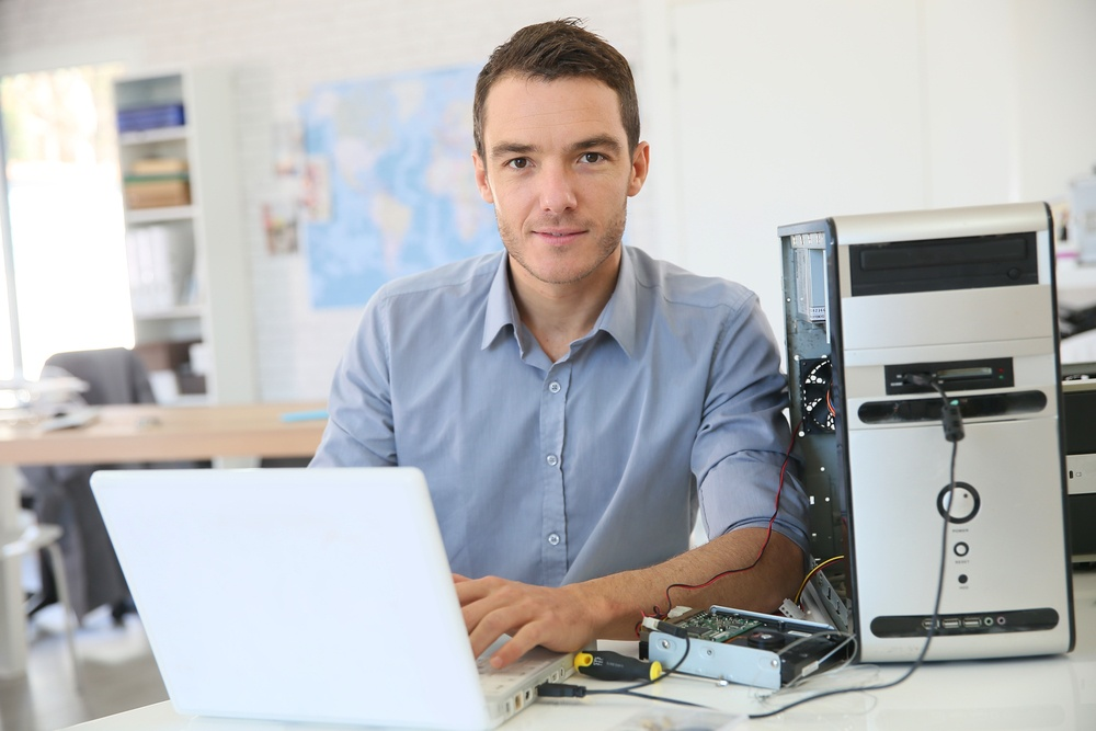 2 Popular Career Paths After Computer Network Support Training