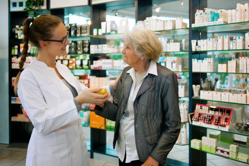Strong Demand for Pharmacy Assistants in Ottawa: Should You Get Training?
