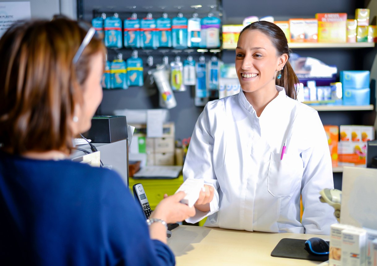 pharmacy assistant duties and responsibilities