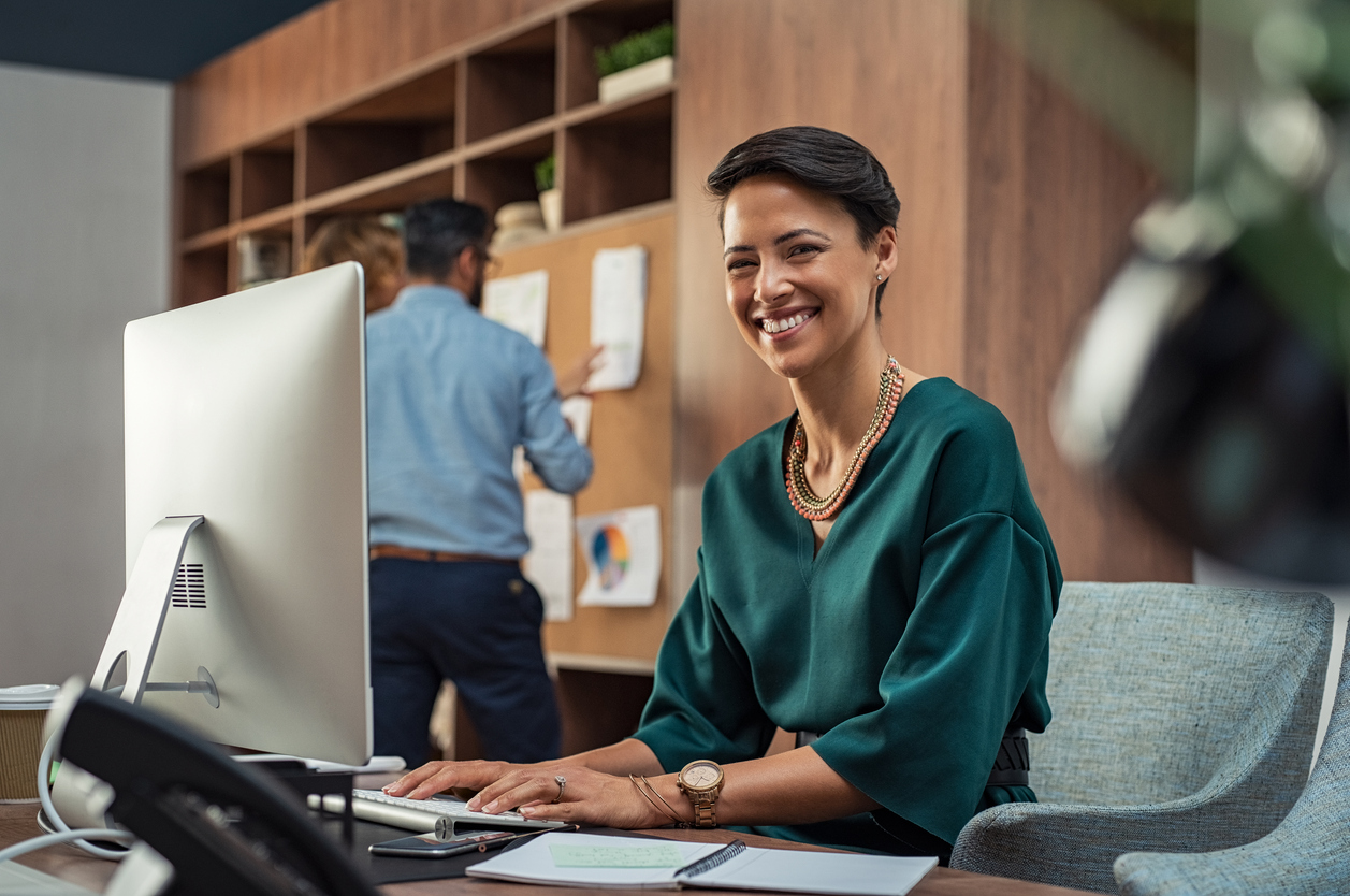 is administrative assistant a good career