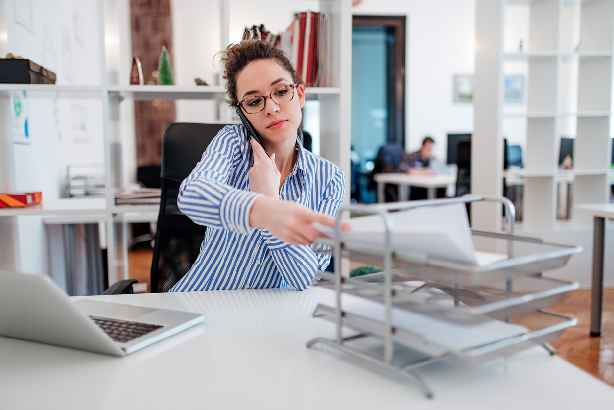is legal assistant a good career pros and cons
