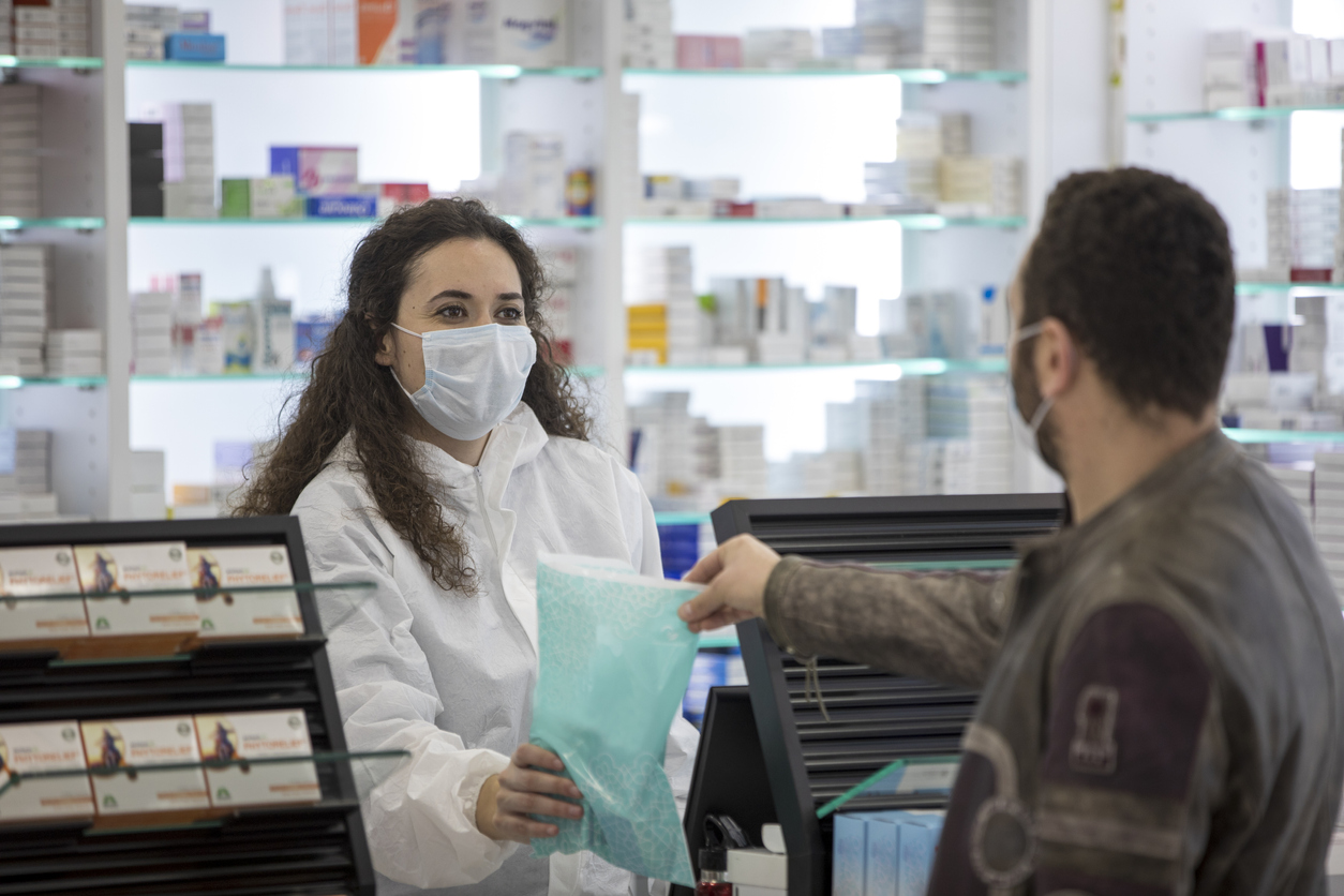become a pharmacy assistant