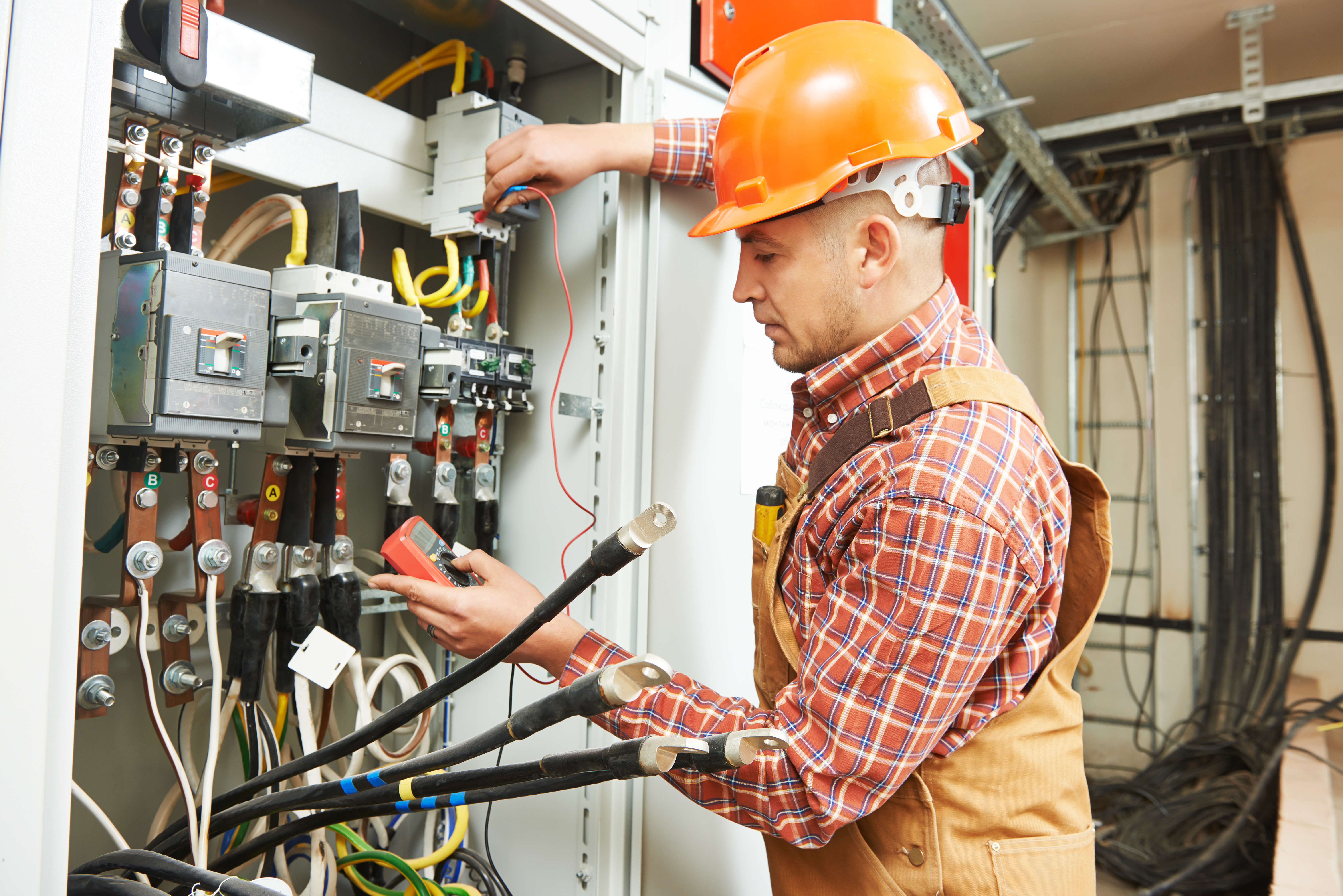 demand for electricians in Ontario
